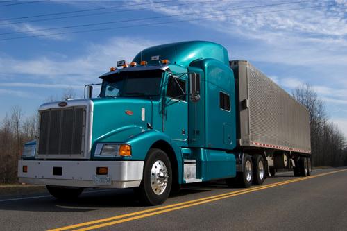 Transport ciężarowy – co trzeba wiedzieć