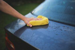 usuwanie rys samochodowych